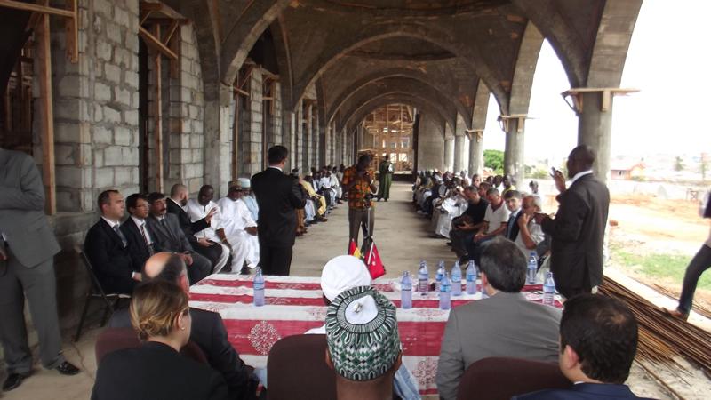 Sağlık Bakanı Ziyareti - Duyuru , Haberler - Akra Furkan Cami ve Külliyesi - Gana